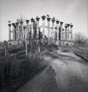 Ruins of Windsor 1937-1940  photo by Eudora Welty © Eudora Welty, LLC; Courtesy Eudora Welty Collection, Mississippi Department of Archives and History
